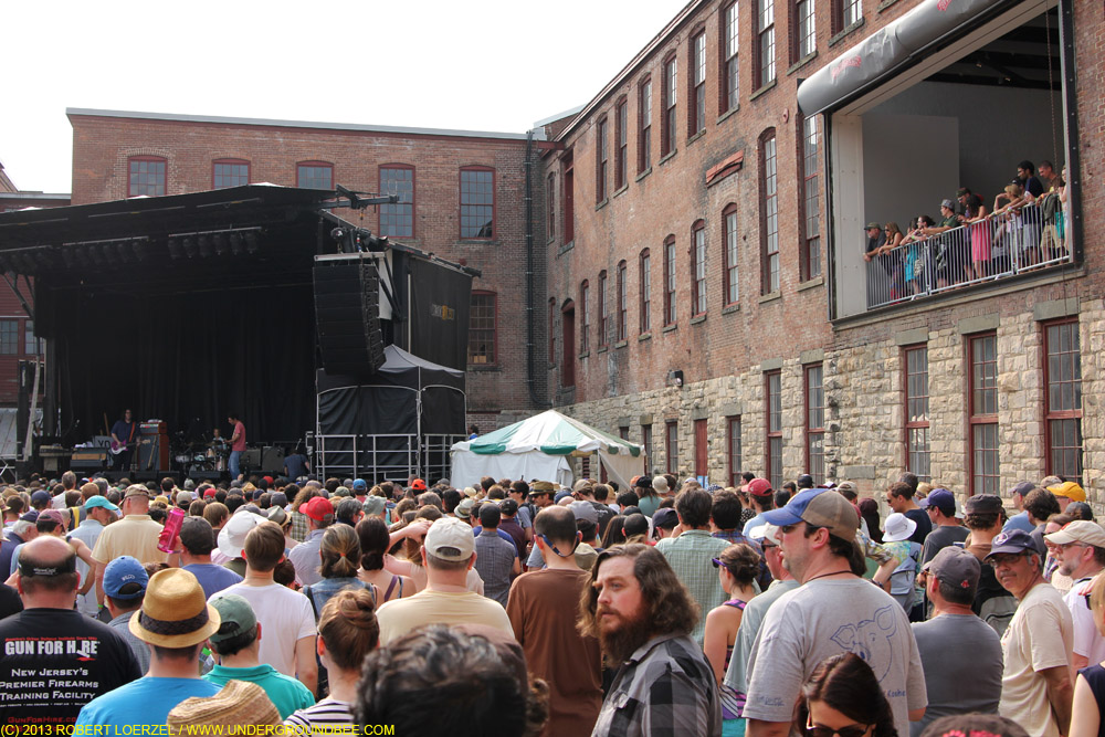 The MASS MoCA courtyard during Yo La Tengo's set