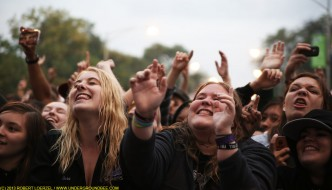 The audience during All-Time Low's set