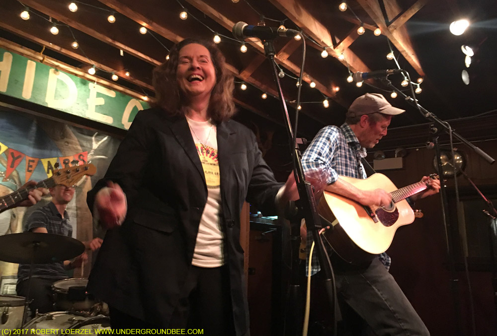 Linda Gail Lewis performs with Robbie Fulks on August 29, 2016.