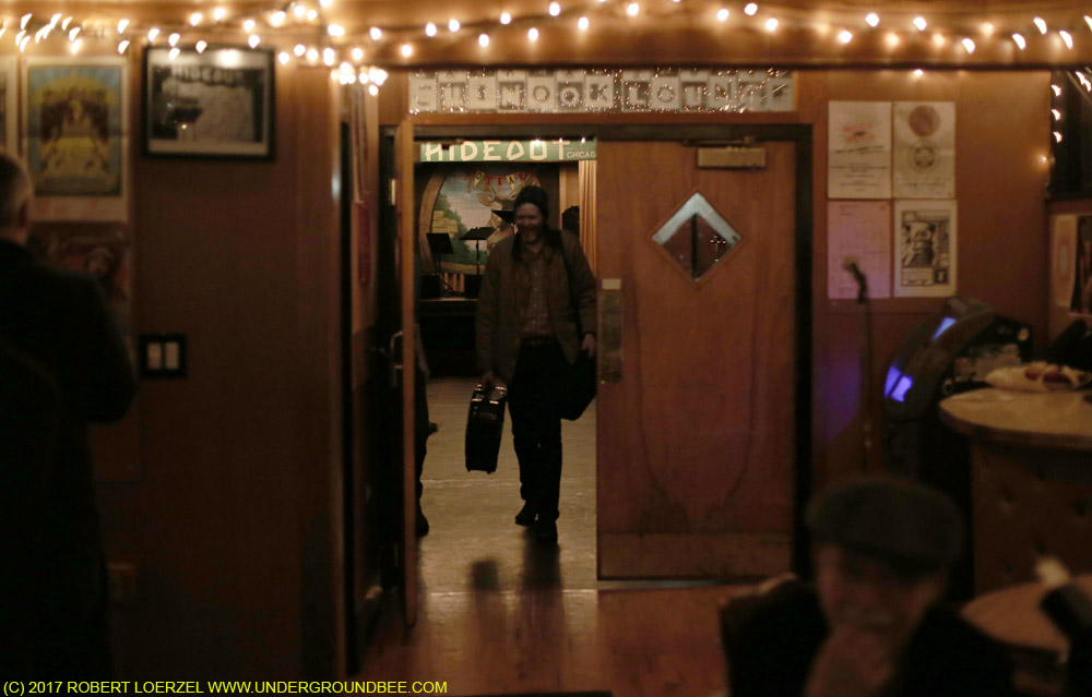 Robbie Fulks makes his exit at the end of the night.